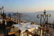 Restaurant aan den Albanese Riviera