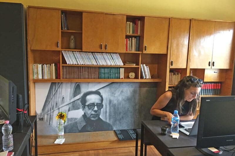 Slaapkamer Ismail Kadare, boekenwinkel, Ismail Kadare, museum, communisme