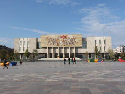 Het museum in de hoofdstad van Albanie, Tirana