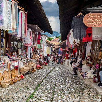 De Bazaar van Kruja, Albanië.