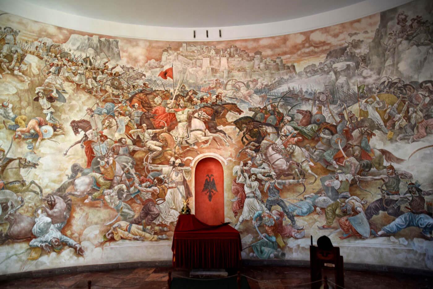 kruja museum-muurschilderij-binnen