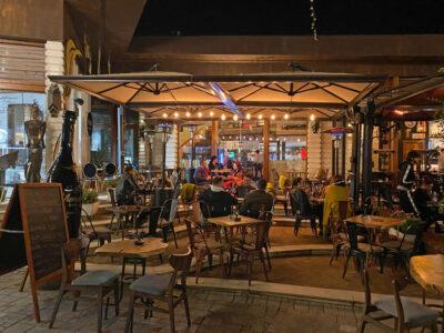 Cobo restaurant Tirana, bij Toptani.